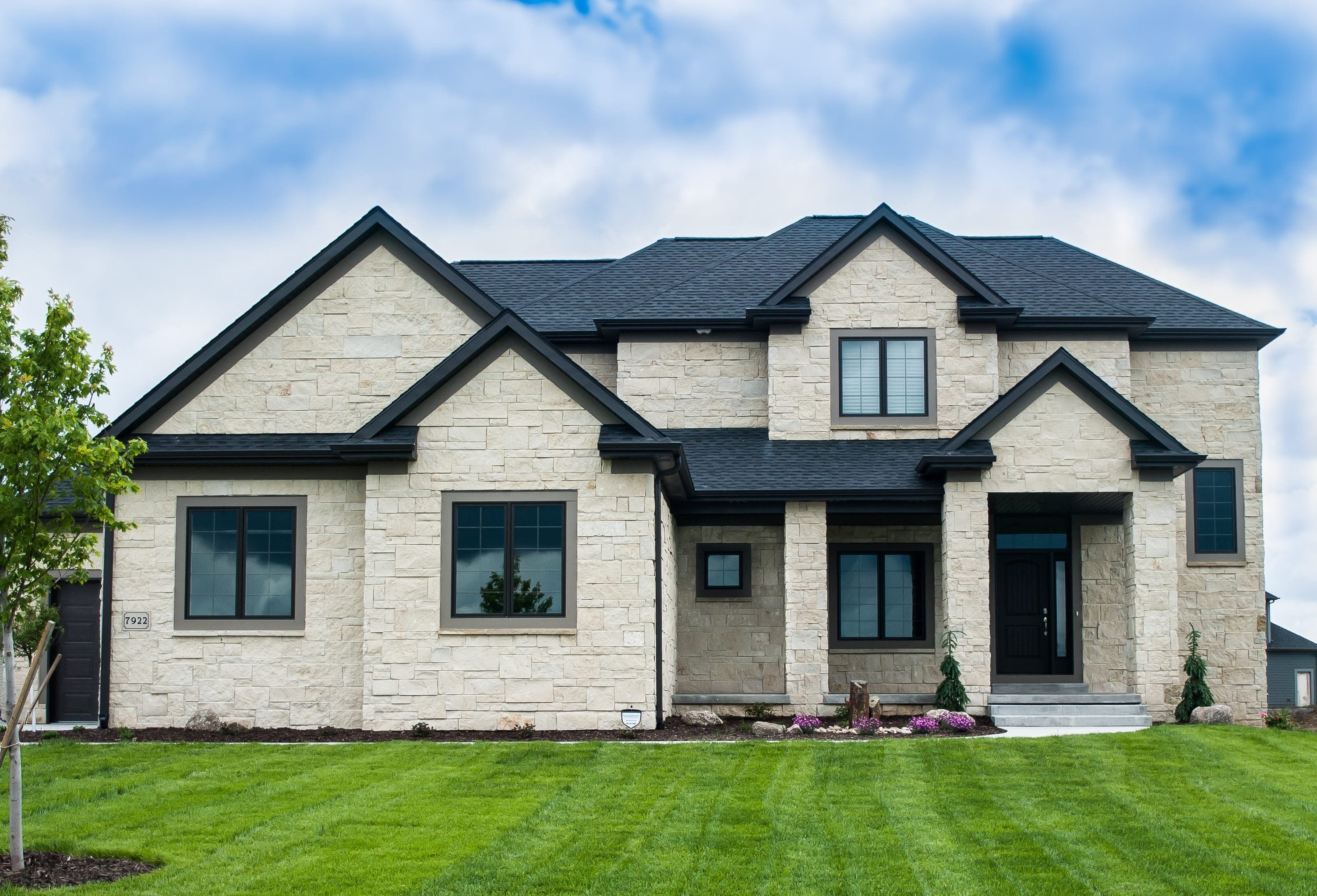 Stone Exterior House Maintenance Stone Exterior House Home Interior Natural Stone Siding
